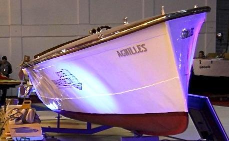 altes-polizei-rennboot-02