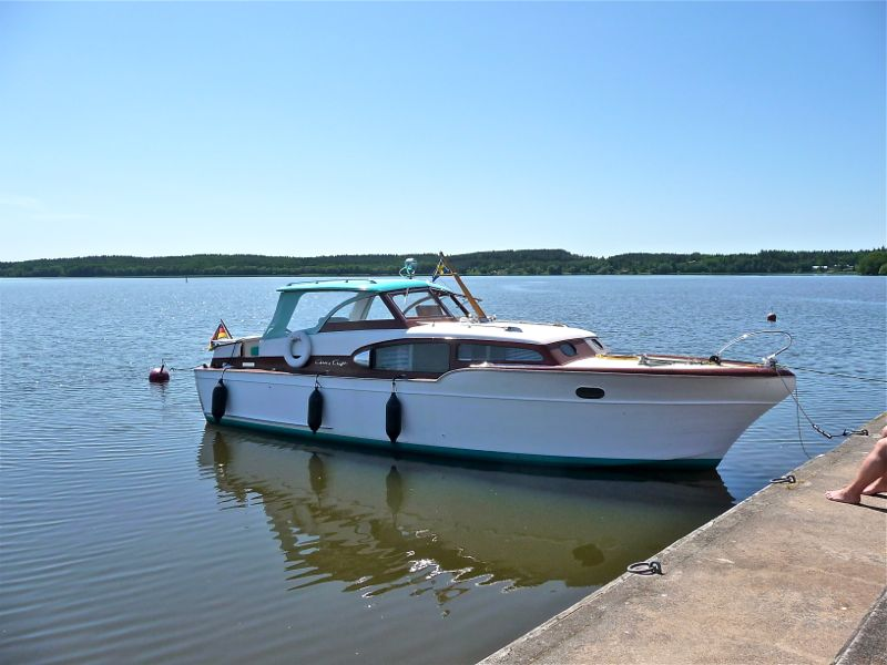 chris-craft-commander-33-2