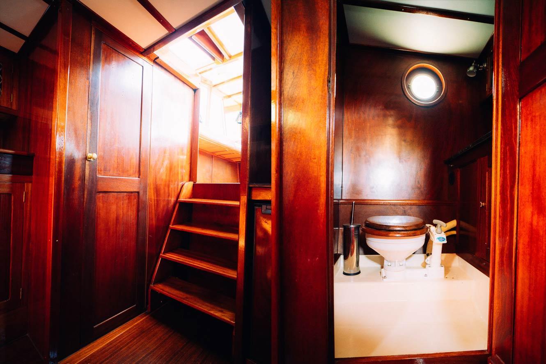 Kanalboot Elleken-toilette