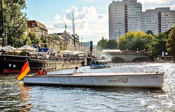 Rennboot Achilles